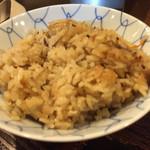釜盛 - 鶏ごぼうごはん。美味しいです。