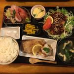 一歩 - 料理写真:これで、1200円 !!刺身なんか新鮮そのもの(๑˃̵ᴗ˂̵)定食3つ分のおかずです