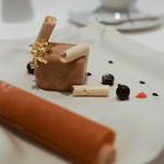ア・ニュ ルトゥルヴェ・ヴー - ビスキュイで包んだ栗のアイスクリームと栗のムース