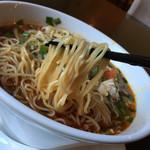 Restaurant μ - μ(ミュー)(神奈川県川崎市中原区今井南町)ぴりりん麺(おいも豚のとろとろ角煮入り)