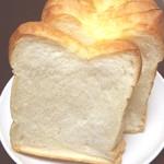 ベーカーショップホルン - 料理写真:バタートップの食パン、おすすめです