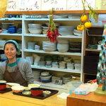 家族厨房 ひっきり - 店主のYさんです。いつも優しい笑顔で迎えて下さいます。(了解済みです。)