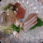 松屋東店 - 5種刺盛り