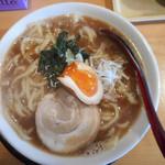 麺屋 太助 - 料理写真:豚骨醤油ラーメン 680円