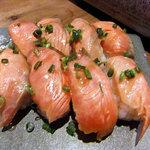 権倉 - コース料理(サーモンの握り鮨)
