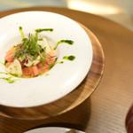 61262117 - 贅沢トマトと水牛モッツァレラのカプレーゼ