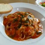 たまごのじかん - 料理写真:オホーツク氷結トマトのトマトソースと地場産モッツァレラチーズのパスタ