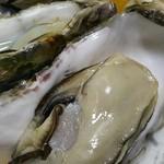 かき忠ハウス - 殻付き牡蠣