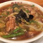 横浜飯店 - 肉そば(765円)