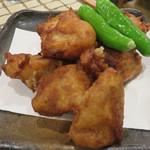 ひびき - 里芋の唐揚げ。 衣はやや濃いめの味付けで、鶏の唐揚げの中身がイモって感じ。