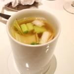 リストランテ ドゥエ フィオーリ - 雉と鶏節のブロード ヤイトハタ