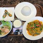 タイレストラン タニサラ - プーニンパッポンカリーセット 税込1,580円