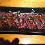 新宿漁港 個室居酒屋 空のとりこ - 馬刺し 税抜き820円
