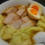 喜多方ラーメン 坂内  - ワンタンサイド。