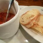 Vittorio Pomodoro Tsukiji - カットトマトのオリーブオイル和えとカリカリバゲット