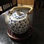 石ばし - 焙じ茶の入った土瓶