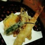 月の蕎麦 - 天ぷら盛り合わせ