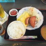 ハイウェイ食堂 - ポークと卵500円&オリオンドラフト200円(2016.11.25)