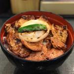 帯広ぶた丼 - 「肩ロースとバラのミックス丼(中)」650円