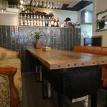 ブリキボタン CAFE&DINING - ソファ席