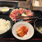 安楽亭 - 2017/01 特盛りダブルカルビ250ランチ  1,180円(税抜き)