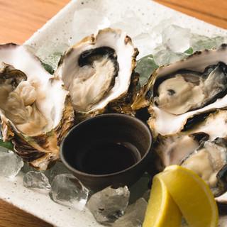 季節の牡蠣を気軽に楽しめる!300円~/1個