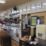 パン工房 シャルドン - 取材もよくある様で、サインもたくさん飾られていました。