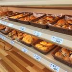 パン工房 シャルドン - 種類も豊富でお値段もリーズナブル。