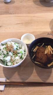 てりょうり おおや - 菜飯とお味噌汁