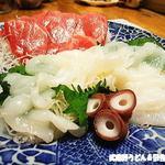 角上魚類 - 料理写真:本まぐろ中トロと生タコ