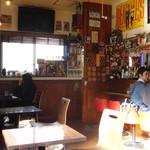 カフェ マチルダ - 店内客席