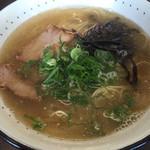 まんまる - 魚介塩ラーメン=550円