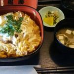 和風レストラン 魚勝 - カツ丼(648円)みそ汁漬物付
