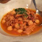 アナログ舎 - トリッパとひよこ豆の煮込み 750円。