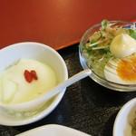 龍華 - 杏仁豆腐、サラダあっぷ