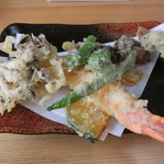 ちちぶ屋 - 天ざるそばの天ぷら