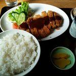 曽我 - トンカツ定食1100円
