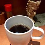 串イッカ - 食後のコーヒー+100円。風味はそれなり。