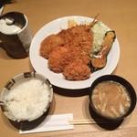 ろくまる五元豚 - ミックスフライ(鯵・メンチ・チキンx2)定食1,000円