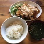 串焼スタンドNONO - チキン南蛮定食 900円