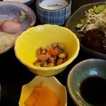 魚の蔵 - 煮物と茶碗蒸し