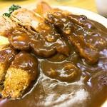 洋食 ZORO - チキンカツ、ヒレカツ、メンチカツの三色カツカレー