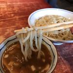 麺食堂 大金豚 - つけ麺にしては細い面