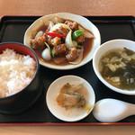 天津飯店 - 日替りランチ 酢豚