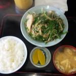 キッチンあべ - ニラ炒め(ライス,みそ汁,お新香)