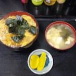 キッチンあべ - 玉子丼(みそ汁,お新香)