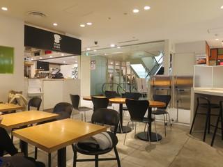 プアオーバー 横浜店