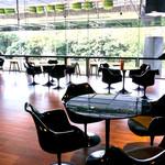 61325721 - 草月会館2階の談話室