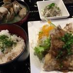 61327552 - 日替わり定食(貝汁付き)900円