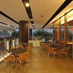 ポータル カフェ アキバ - 開放感のあるテラス